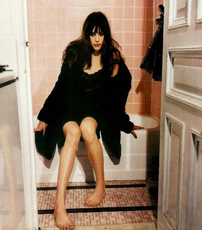 Liv Tyler Toes photo 17
