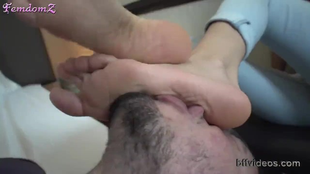 Foot Worship Pictures photo 27