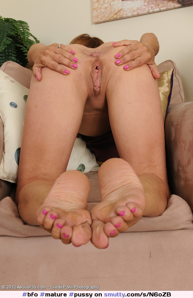 Pussy Feet Toes photo 4