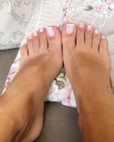 Amy Schumer Toes photo 6