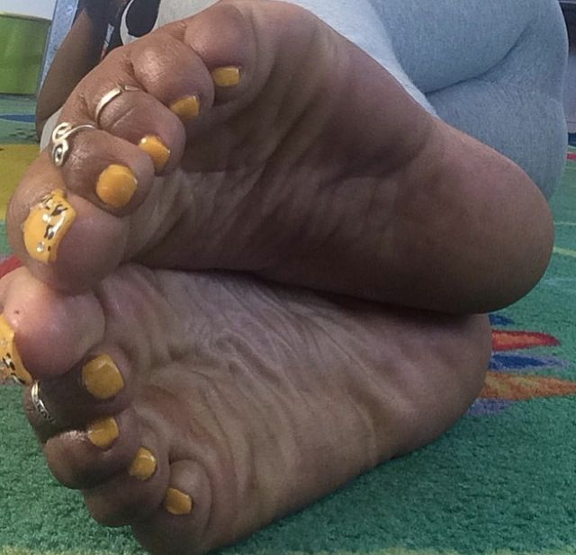 Ebony Soles And Toes photo 13