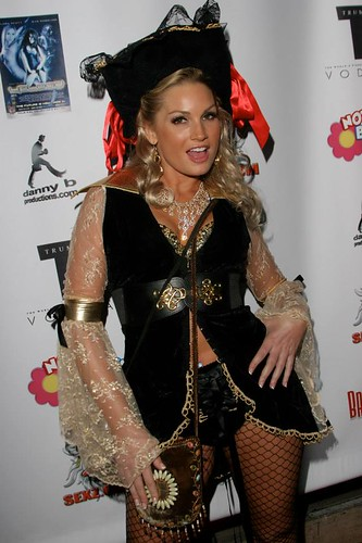 Where Is Flower Tucci photo 25