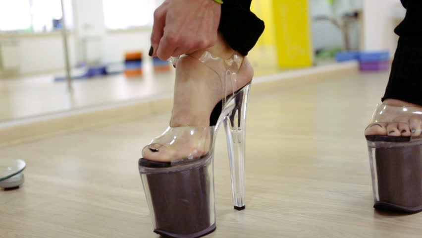 Girls In Sexy Shoes photo 19