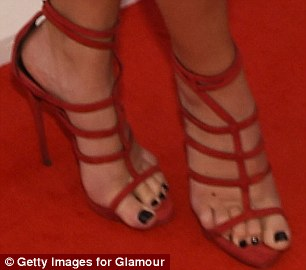 Amy Schumer Toes photo 16