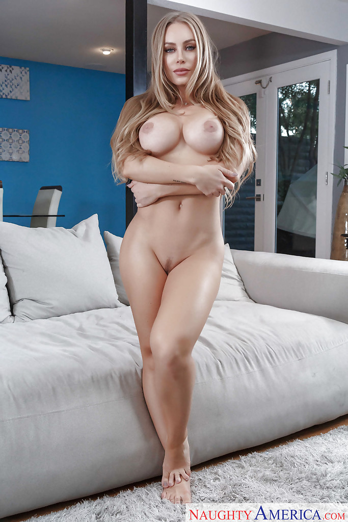 Nicole Aniston Naked Pictures photo 25
