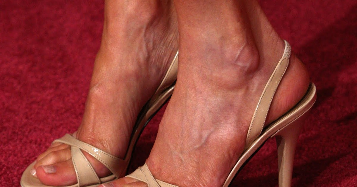 Heather Locklear Toes photo 3