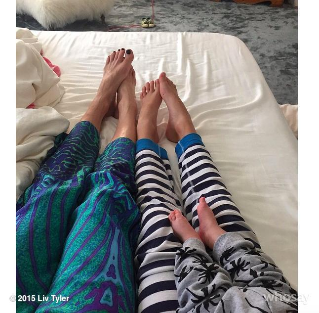 Liv Tyler Toes photo 18