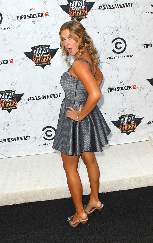 Amy Schumer Toes photo 23