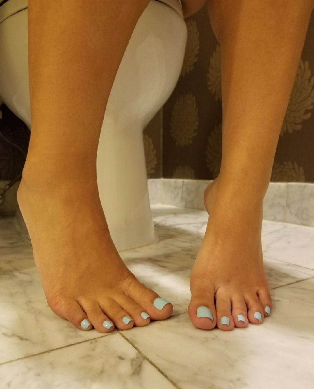 Cute Girls Feet Pictures photo 4