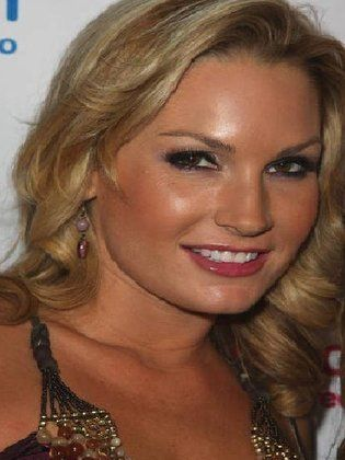 Where Is Flower Tucci photo 11