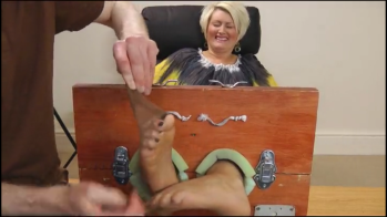 Foot Tease Story photo 22