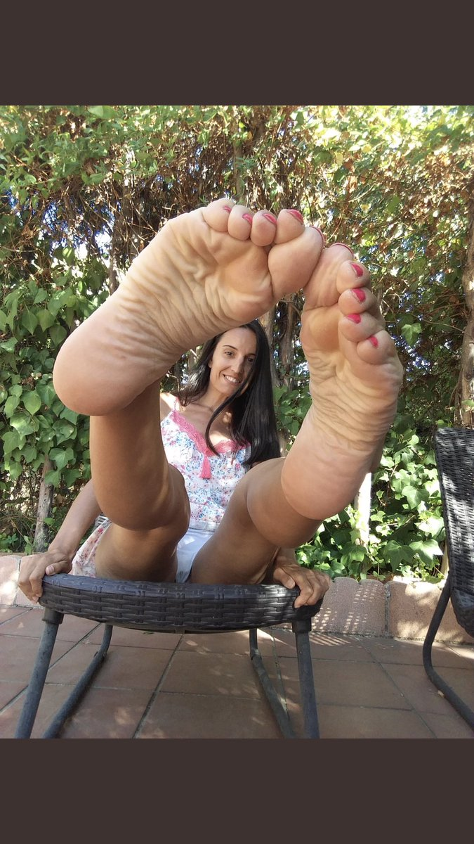 Her Foot Fetish photo 2