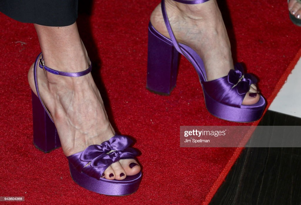 Liv Tyler Toes photo 1
