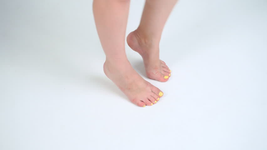 Pictures Of Womens Bare Feet photo 24