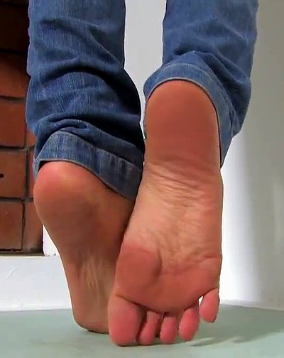 Pictures Of Womens Bare Feet photo 20