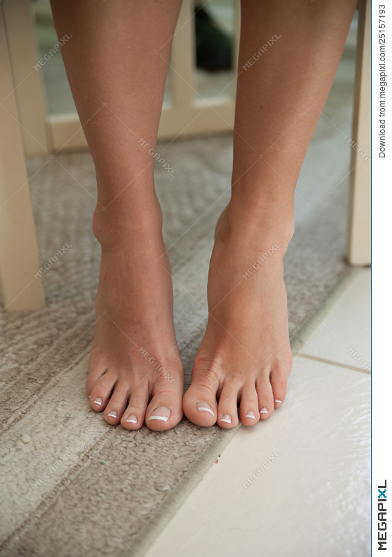 Pictures Of Womens Bare Feet photo 26