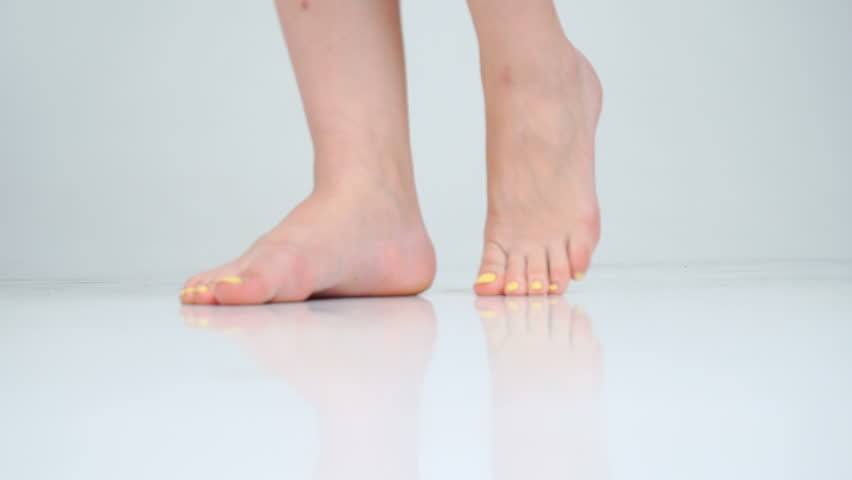 Pictures Of Womens Bare Feet photo 28