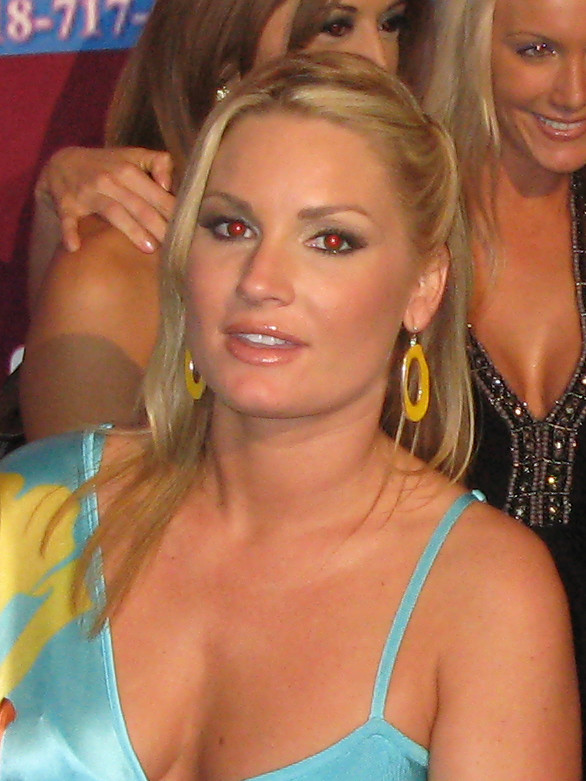 Where Is Flower Tucci photo 21